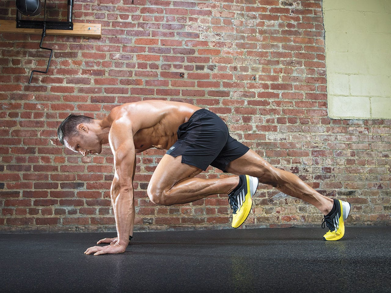 10 Effective Fat Burning Crossfit Workouts You Can Do at Home – Muscle and Fitness